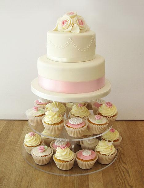 eam Wedding Cake with Cupcake Layers