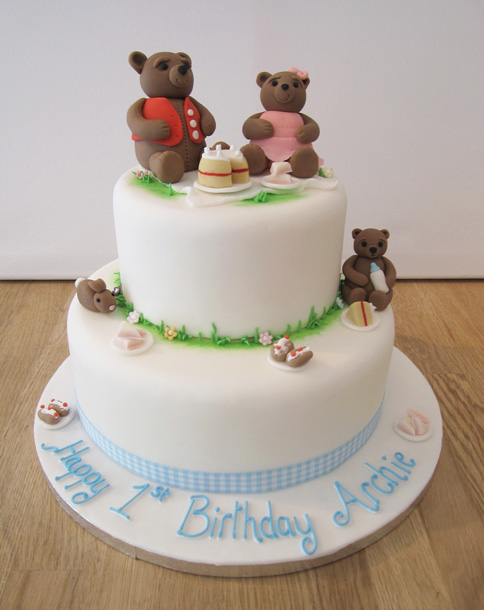 2 Tier Teddy Bear's Picnic Cake