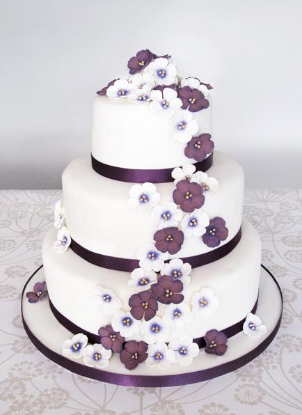 Diamantes Wedding Cake