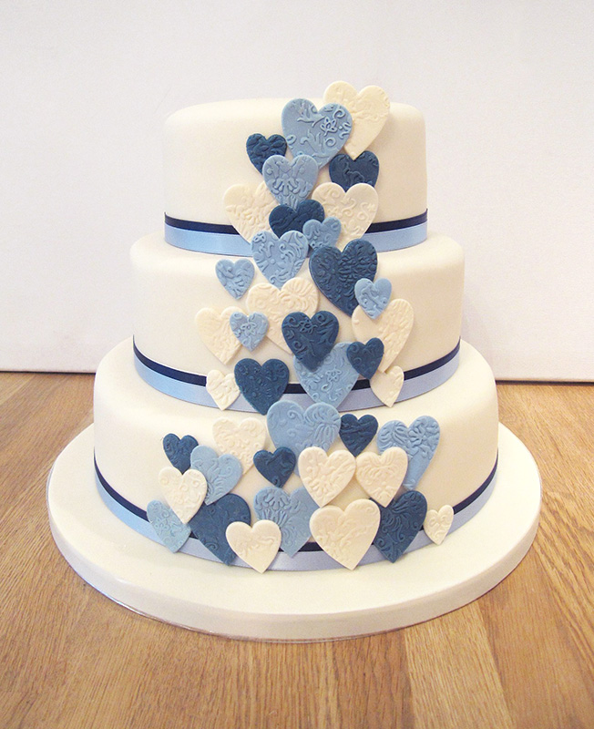 Blue Heart Wedding Cakes Wedding Cake With Blue Hearts