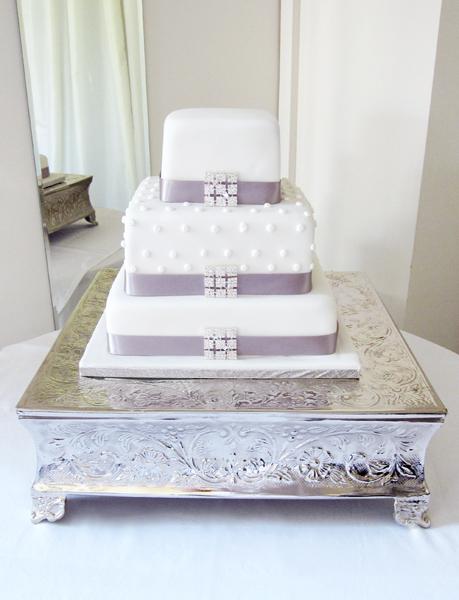 White Spots & Diamante Cake