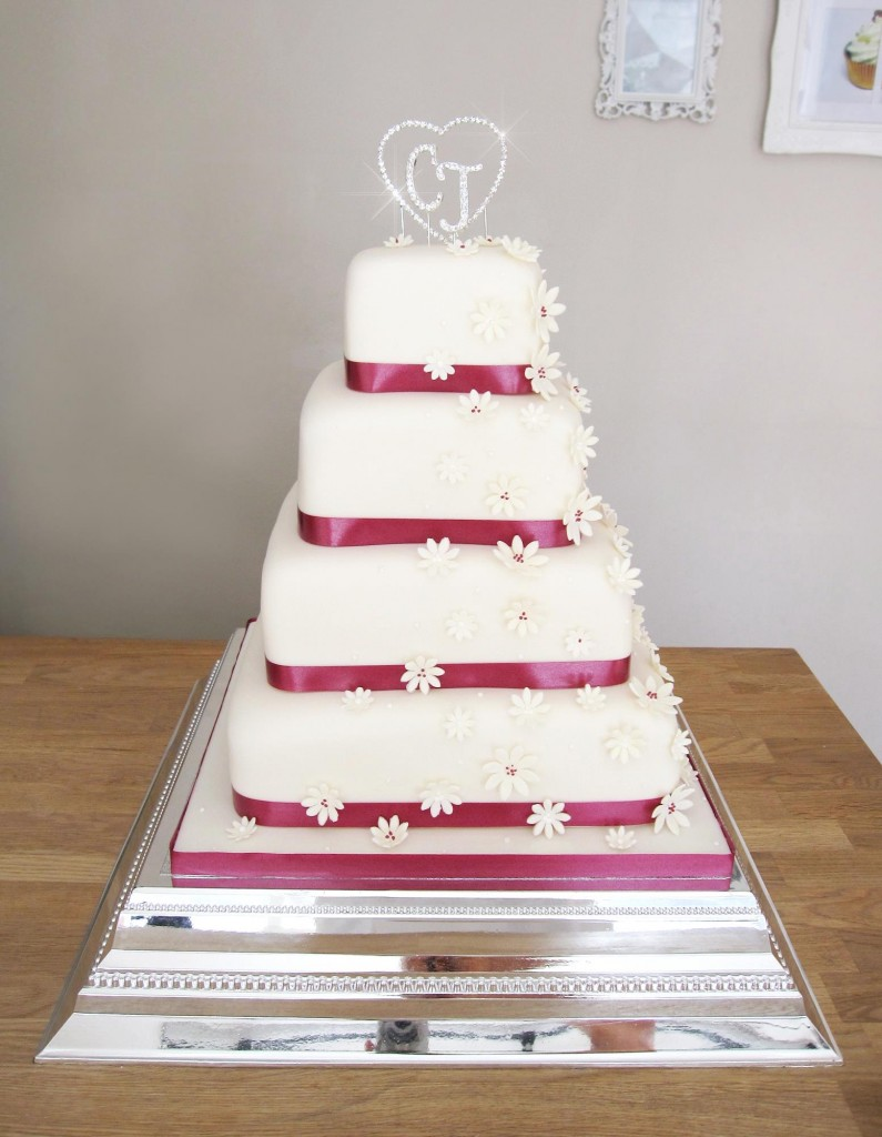 Wedding Cake with Daisies and Diamantes