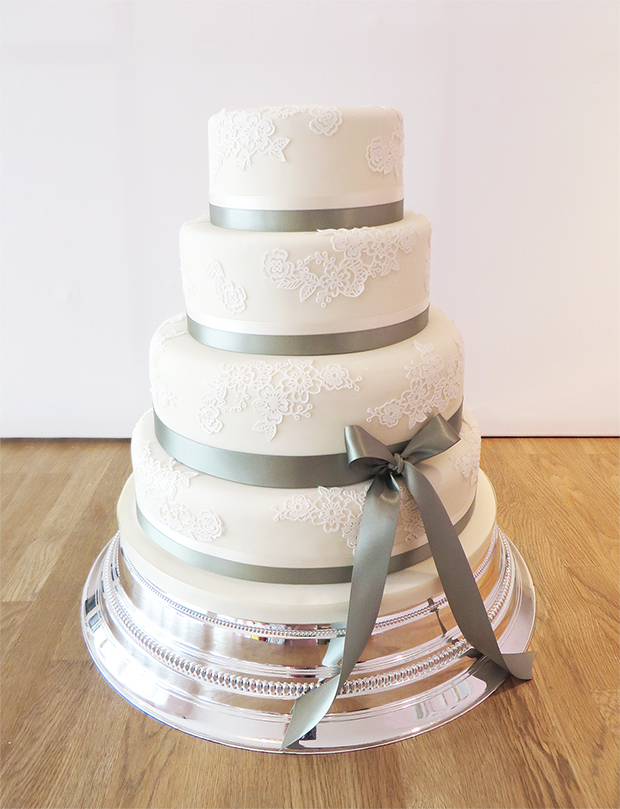 ribboned wedding cakes