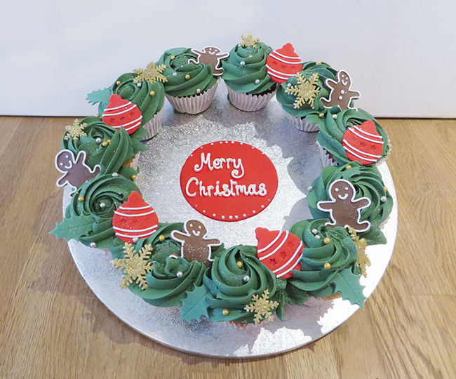 Christmas Cupcake Wreathe