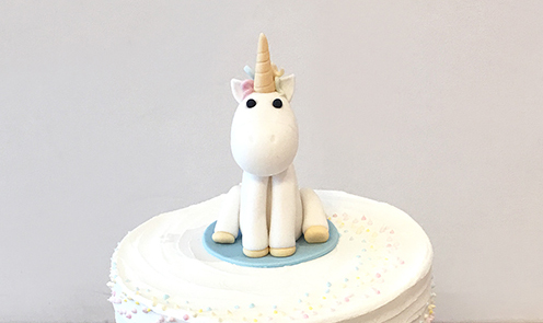 2 Tier Cake with Unicorn Topper-featured